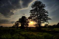 Sunset in the Field, Germany (Klaus Ficker --Landscape and Nature Photographer--) Tags: sunset sun field clouds canon germany deutschland evening abend sonnenuntergang feld wolken sonne hdr abendsonne eos5dmarkii klausficker