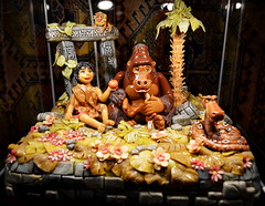 Marzipan Tarzan [Szentendre - 6 December 2015] (Doc. Ing.) Tags: hungary marzipan hu tarzan szentendre 2015 marzipanmuseum centralhungary
