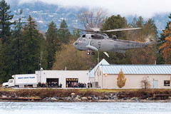 12441 - Canadian Forces - CH-124A Sea King (S-61B) (bcavpics) Tags: sea canada vancouver chopper king britishcolumbia aviation canadian helicopter stinger heli forces 41 hmcsdiscovery ch124a s61b 12441 bcpics