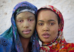 Women in Berbera with qasil on the face - Somaliland (Eric Lafforgue) Tags: africa portrait color cute beautiful beauty face vertical outdoors photo women pretty exterior veil muslim islam cream hijab barbara photograph afrika somali care cosmetics protection moisture somalia islamic concerned somaliland afrique hornofafrica berbera onepersononly 1819years lookingatcamera 3921 somalie africanethnicity britishsomaliland somali 2024years   szomlia   blackethnicity soomaaliland teenagegirlsonly qasil  berberabarbara