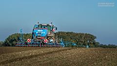 Semis de bl : Fendt et Lemken Solitair 9 (- Olivier B. - Entre terres et ciel -) Tags: b canon wheat 9 ciel 7d entre et olivier semis bl fendt terres solitair 100400 froment lemken
