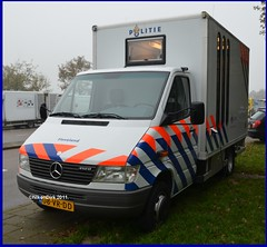 Dutch police Mobile Office. (NikonDirk) Tags: holland netherlands dutch mercedes benz foto cops breath nederland police alcohol cop flevoland analysis politie analyse hulpverlening nikondirk 08vrdd