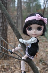 You bad little girl (Lawdeda ) Tags: tree by dress mary best her rob climbing and blythe custom janes sioux fbl hairbow sammydoe