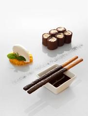 Biscuit roulé aux deux chocolats - Vertig'O restaurant - Hotel de la Paix - Geneva (Concorde Hotels Resorts) Tags: restaurant geneva desserts hoteldelapaix vertigorestaurant