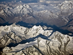 Swiss Alps from a Plane (Nataraj Metz) Tags: schnee mountain snow france alps berg fog clouds canon schweiz switzerland frankreich europa europe nebel flight wolken glacier aerialphoto che alpen gletscher jungfraujoch gebirge luftaufnahme flug alpesmaritimes alpmountains cantonduvalais powershots95