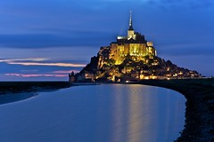 Le Mont Saint-Michel (seryani) Tags: longexposure trip sunset sea summer vacation holiday france church abbey night canon atardecer noche mar twilight holidays europa europe village tide pueblo july iglesia mount julio verano bluehour monte francia nuit mont vacations 2009 vacaciones anochecer montsaintmichel mountsaintmichael canonef2470f28l canon2470 abadia horaazul montesanmiguel canonef2470 canoneos5dmarkii july2009 summer2009 5dmarkii verano2009 julio2009 exposicionlarga oceanoatlantico normandia oceanoatlanctico