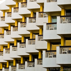 Have a seat (Nile65) Tags: color lines yellow architecture square pattern egypt places diagonal balconies luxor bsquare canonixus750 wiobw