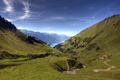 Brienz (Or Hiltch) Tags: blue mountains green switzerland brienz explore lifeasitshouldbe