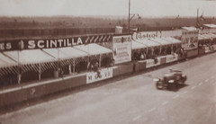 Le Mans 1930 - Start/finish line (Thomas Courtonne) Tags: pits mans le stands 24hours 1930 24heures startfinishline 24heuresdumans 24hoursoflemans lignedroitedesstands