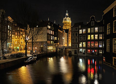 Romantic Amsterdam.... (martin alberts Pictures of Amsterdam) Tags: amsterdam redlightdistrict sintnicolaaskerk 1012 unescoworldheritagelist redlightarea oudezijdskolk unescowerelderfgoed martinalberts michaelchee postcode1012
