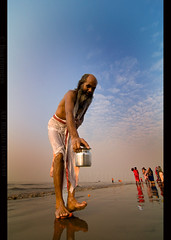 INDIA (BoazImages) Tags: india festival fair hindu puja ganges mela westbengal bayofbengal gangasagar hindusim boazimages