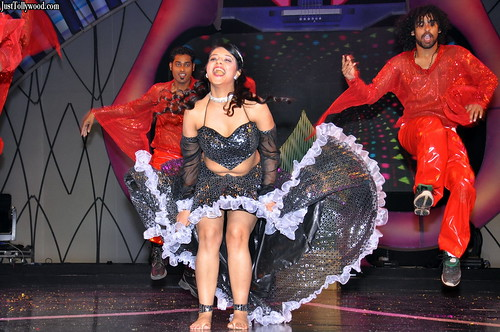 Saloni-At-Maa-Music-Awards-2012-Justtollywood.com_4