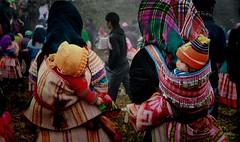 9397 Flower Hmong People (Kaz.MO) Tags: life travel family portrait mountain flower beautiful beauty canon wonder asian eos vimeo asia dress live group hills vietnam 7d mon cloth  tribe miao ethnic minority backpacker  frontier sapa hmong mong  cuty  bacha     northvietnam familylove   simacai  hmng earthasia