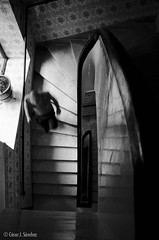 Escalera de servicio...#001 (Csar J. Snchez) Tags: people blackandwhite blancoynegro stairs gente streetshots streetphotography documentary social escalera streetphoto marruecos streetphotograpers cesarjsnchez csarjsnchez