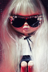 [ETSY] MaisonDaisy 3/3 (Eloines) Tags: portrait macro sunglasses shop silver dark hair outfit nikon doll dolls factory sitting handmade fake sigma skirt clothes filter blonde bjd blythe 28 chic bling etsy elegant tbl pure promotional takara darcy sophisticated collecting chique fbl bl 105mm neemo ebl rbl webshop d3200 etsyshop pureneemo 24pm