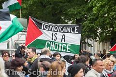 Proteste am Nakba-Tag fr Israel und Palstina in Berlin Neuklln (Theo Schneider) Tags: berlin protest demonstration fahne flagge palstina neuklln nakba karlmarxplatz gegenisrael nakbatag