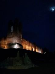Castelfranco by night ..... (Deneb56) Tags: night torre mura castello notte nightvision sabbia notturno chiarodiluna castelfrancoveneto