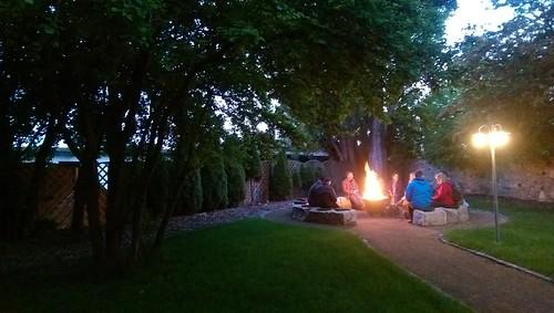 Lagerfeuer im Park von Jordan's Untermühle