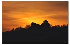 Through the Sunset (G.hostbuster (Gigi)) Tags: sunset mountain silhouette backlight tramonto piemonte freehand biella montagna notripod controluce ghostbuster givemefive nikond90 gigi49
