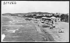 Sitges, anys 20 (esta_ahi) Tags: barcelona españa mar spain playa fotos antiguas sitges garraf platja tiet antigues испания