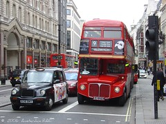 Bus and taxi in London (Amsterdam RAIL) Tags: street bus london strand cab taxi routemaster autobus lt doubledecker taxicab thephantomoftheopera rm londontransport dubbeldekker route9 doppelstock rm1640 640dye heritageservice routemaster1640