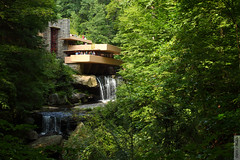 Fallingwater Classic View (wmliu) Tags: usa house architecture us pennsylvania franklloydwright pa fallingwater millrun wmliu