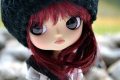 Rencontre 11.12.11 - Cam | Dal Angry Custom (Zoo*) Tags: blue red white black macro green rouge dawn doll acrylic noir cam dal vert sanrio redhead bleu mohair angry pullip mm custom grail pullips custo dovey rencontre mymelody princi