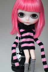 juliette (Aya_27) Tags: pink black sweater amazing doll divine stunning bite blythe lovely custom juliette lunita makotomania guavascalp pinkire