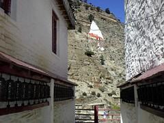 Nepal (Okt.09) (Syydehaas) Tags: nepal trekking pagoda asia asien vishnu native gates buddha kali stupa tibet shangrila kathmandu mustang himalaya shiva markt hindu patan everest boudhanath pokhara kamasutra annapurna cultural champa dalailama namaste gompa pashupatinath sadu pagode thamel mnch nilgiri kumari durbarsquare jomsom kagbeni muktinath marpha buddhismus ethic knigreich phewalake abenteuer dhaulagiri freakstreet bn hinduismus jarkot jharkot kaligandaki thorongla bagmati machapuchare lupra panchase jomosom daksinkali khinga totenverbrennung highflyer261 fishtailmontain tilahar syydehaas