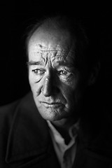 David Hayman (TGKW) Tags: light portrait people blackandwhite man david window king natural theatre expression scottish actor hayman publicity promotional citizens lear 4007