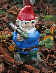 RPG7 Gnome Painted in Leaves (thorssoli) Tags: gnome rpg gardengnome rocketlauncher lawngnome rpg7 shawnthorsson combatgardengnome rocketpropelledgrenadelauncher bazookagnome gnomefighters