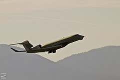 Fly.... like a G-6 (konrad_photography) Tags: corporate virginia airport jet roanoke va g6 gulfstream g650 glf6 n655ga