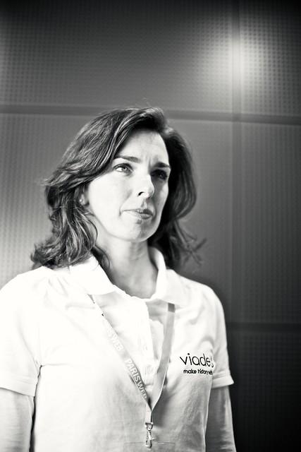 Madame VIADEO sérieux à Paris Web 2011