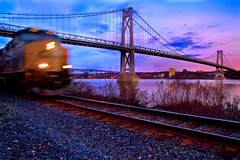 Surprise Train (SunnyDazzled) Tags: railroad bridge sunset train river evening tracks poughkeepsie hudson csx midhudsonbridge fdrbridge