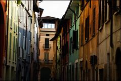 Brescia  pi colorata di quanto si possa immaginare (Mi muovevo al ritmo delle chitarre elettriche) Tags: street city colors colori brescia citt istantanee brixia