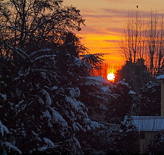 dal mio balcone...... all'alba (liga54) Tags: italy sunrise scenery europa europe flickr italia alba natura emilia explore belvedere zuiko emiliaromagna reggio reggioemilia liga ligabue reggioemila flickraward e620 olympuse620