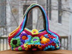 The front of the Flower Blossom Bag (crochetbug13) Tags: flowers flower bag blossom crochet lining lined flowerbutton fatbag blossombag crochetnoro crochetfatbag flowerblossombag