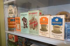 Antique hot chocolate packages (quinet) Tags: germany antique chocolate grocery cocoa chocolat ancien berger antik picerie cacao riquet kakao 2013 lebensmittelgeschft domnedahlem schocoladen chocoladen