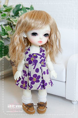 ~Love it! Love her little shoes, too (Cute mini doll~) Tags: white yellow lumi atelier haewon latidoll lati momoni