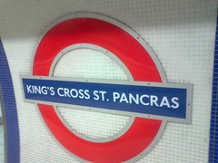 King's Cross St. Pancras Underground Station - sign - Piccadilly line (ell brown) Tags: greatbritain england london sign mobile underground nokia unitedkingdom tube londonunderground mobileshots thetube piccadillyline northernline kingscrossstpancras cityofwestminster greaterlondon londonundergroundsign kingscrossstpancrasundergroundstation nokiax302 northernlinebankbranch londontube150