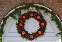 Christmas Wreath (Tobyotter) Tags: christmas virginia wreath williamsburg colonialwilliamsburg
