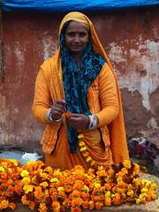 Jaipur - Flower vendor (sharko333) Tags: voyage travel portrait woman india flower asia asien vendor asie indien jaipur rajasthan reise