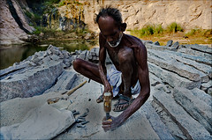 Madurai • கொல்லத்து காரர் (wishvam) Tags: labour worker madurai yaanaimalai nikond5100