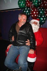 2011-12-10 Bear Heat (103) (MadeIn1953) Tags: california bear santa me palmsprings tony event coachellavalley mangos riversidecounty 2011 201112 mangosrestaurant 20111210 bearheat