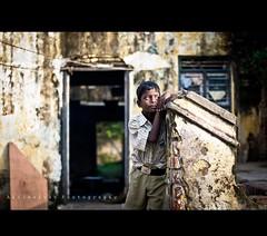 | Expecting (Akilselvan Photography | www.akilselvan.com) Tags: life street india nikon expression indian chennai tamil tamilnadu nadu expecting cwc thiruneermalai akilan d3100 akilselvan