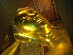 Wat Pho - Reclining Buddha (tiseb) Tags: thailand temple bangkok buddha buddhist buddhism bouddha watpho thailande bouddhisme  templeoftherecliningbuddha krungthep bouddhiste