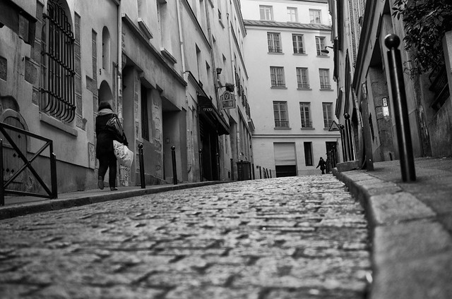 One picture, One sound of One minute : Paris, la rue des BOULANGERs