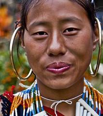 Chakhesang Girl (rob of rochdale) Tags: woman india girl festival asian asia ngc culture tribal east jewelery tribe eastern naga nagaland earing 2011 trravel northeastindia hronbill chakhesang hornbillfestival2011