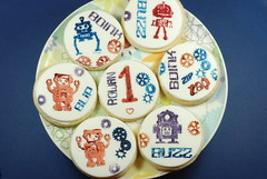 Robot Stamp Sugar Cookies 2 (Craftstorming) Tags: robots sugarcookies fondant craftstamps