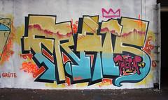 Frais (Frais - thrap') Tags: rose jaune graffiti bleu frais thrapicturale thrap